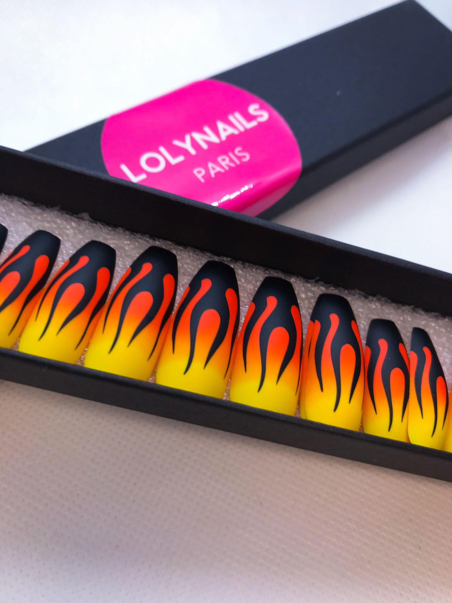 press on nails fire design