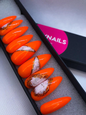 faux ongles orange stiletto