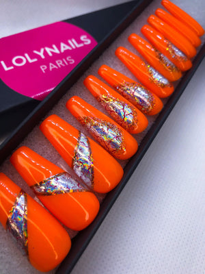 Faux ongles oranges avec design, extra long coffin, ballerine