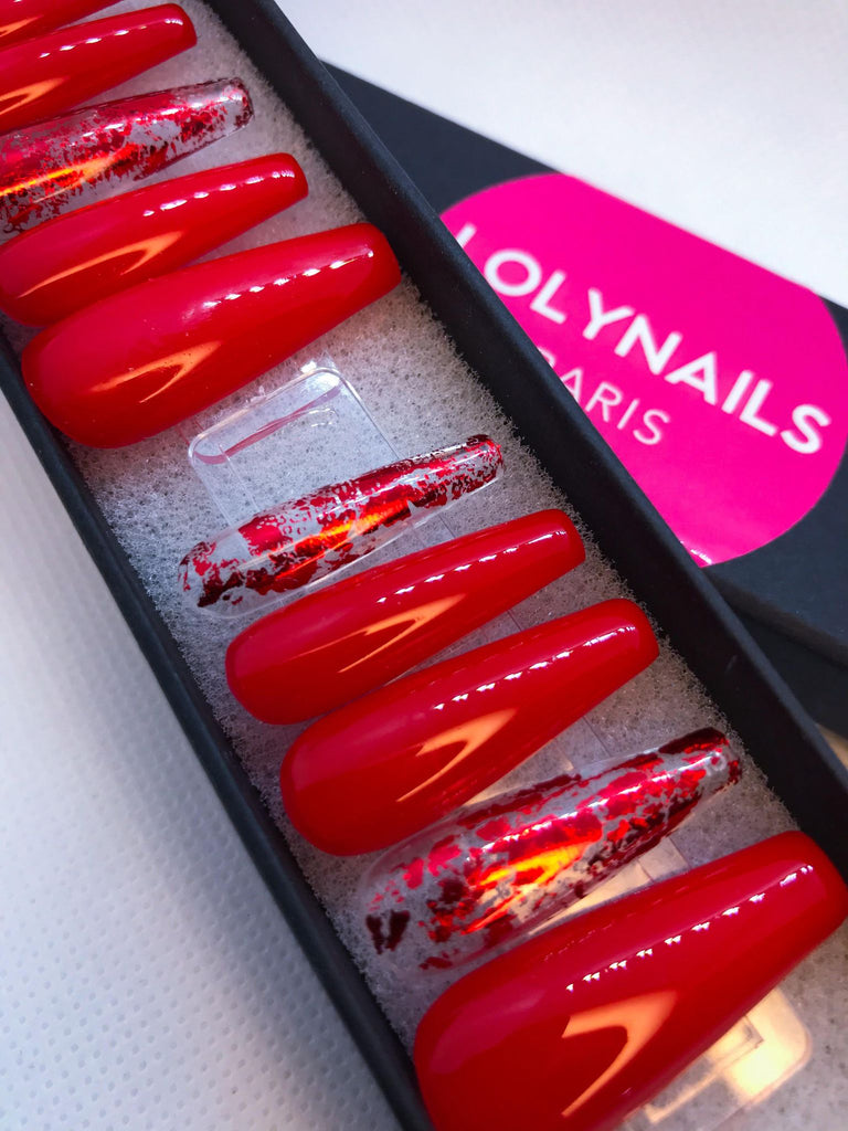 FAUX ONGLES ROUGES