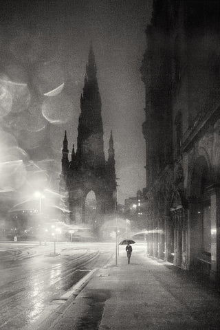 Edinburgh - Scott Monument rain