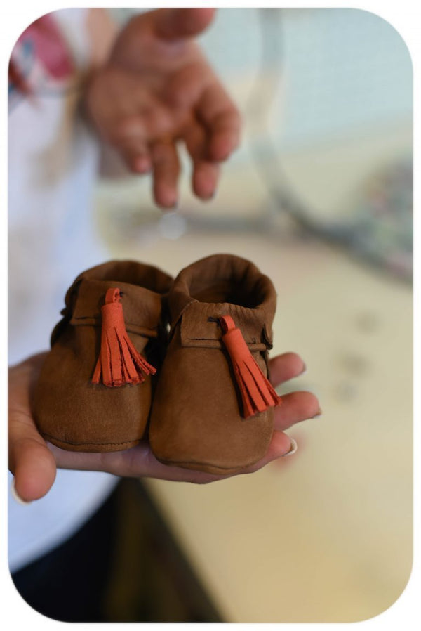 DIY Toddler Tassel Moccasins - Measure: a fabric parlor
