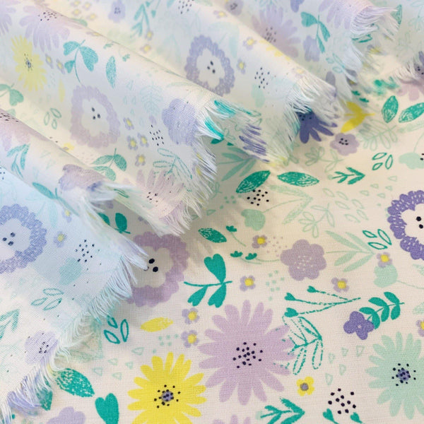 Batiste Groovy Flower Cotton - 1/2 Yard - Measure: a fabric parlor