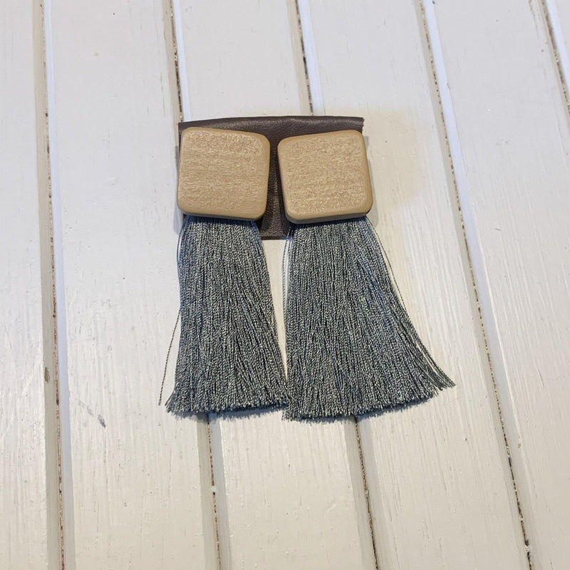 Dangle Earrings with Wood Squares and Threads - 1 pair - Measure: a fabric parlor