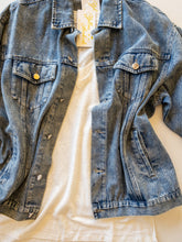 Load image into Gallery viewer, Oversize Denim Jacket