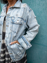 Load image into Gallery viewer, Acid Wash Distressed Denim Jacket