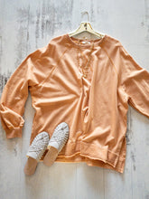 Load image into Gallery viewer, Apricot Oversize Sweatshirt