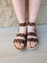 Load image into Gallery viewer, Girls Cycler Leopard Espadrille Sandals
