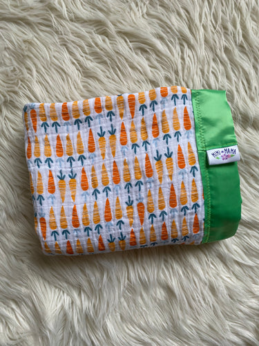 Carrot Silky Trim Blanket