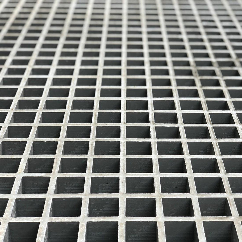 "Square Mesh Grating, 1-1/2"" Thick, 1-1/2"" Square, Meniscus Surface, Light Gray, Isophthalic Resin"