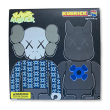 Load image into Gallery viewer, kaws 2 kubrick 2002 medicom collectible toy Limn-Gallery