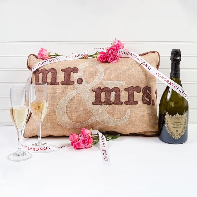 Mr. & Mrs. Champagne Celebration Set
