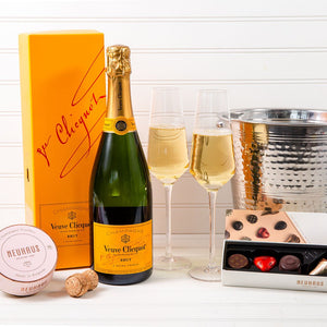 Pop The Bubbly Veuve Clicquot Champagne Chocolate Set