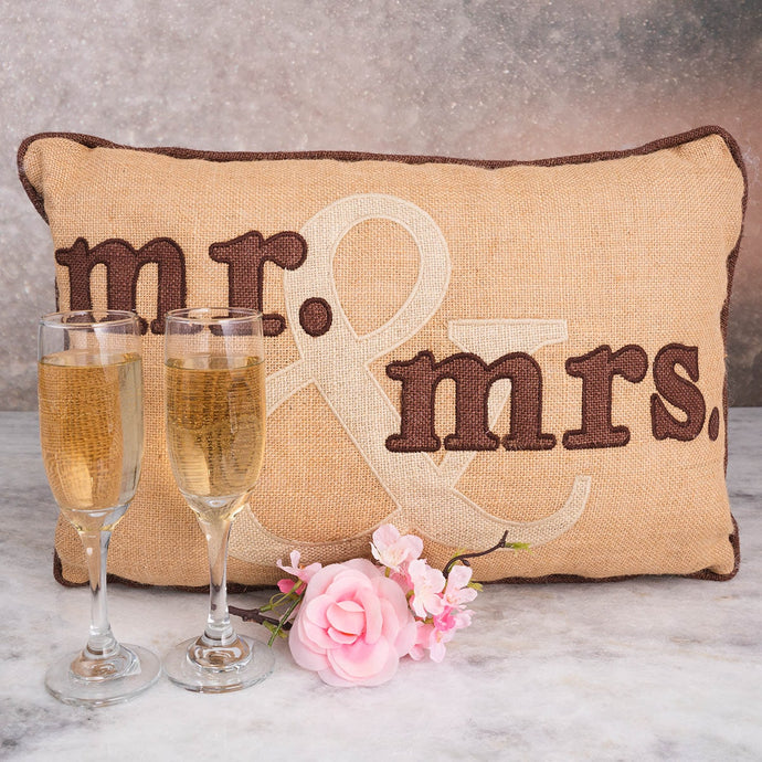 Mr. & Mrs. Celebration Set