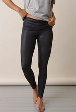 Laden Sie das Bild in den Galerie-Viewer, Once-on-never-off glam Leggings von boob