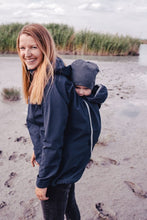 Laden Sie das Bild in den Galerie-Viewer, Softshell-Tragejacke clickit navy ice von mamalila