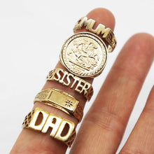 Load image into Gallery viewer, VINTAGE 9K GOLD SOVEREIGN STYLE RING