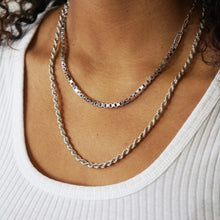 Load image into Gallery viewer, VINTAGE STERLING SILVER ROPE CHAIN NECKLACE