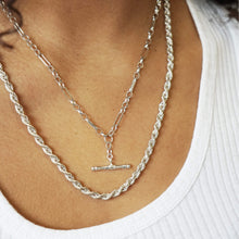 Load image into Gallery viewer, VINTAGE STERLING SILVER T-BAR OVAL BELCHER CHAIN NECKLACE