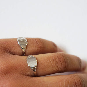 VINTAGE STERLING SILVER SMOOTH SIGNET RING