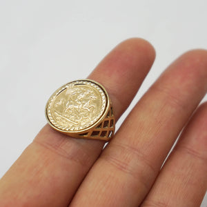 VINTAGE 9K GOLD SOVEREIGN STYLE RING