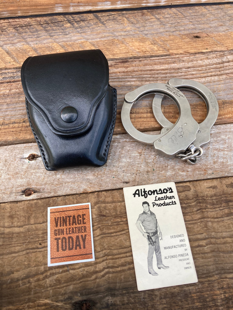 Alfonso's Plain Black Leather Snap on Leather Cuff Holder For Chain Handcuffs