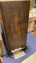 Load image into Gallery viewer, Beautiful Oak Wood Grain Cabinet/Linen Cupboard
