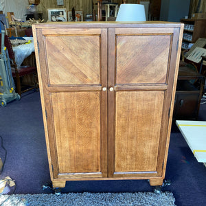 Beautiful Oak Wood Grain Cabinet/Linen Cupboard