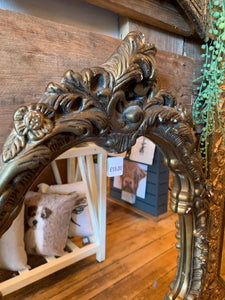 Leaf Detailing Gold Oval Mirror