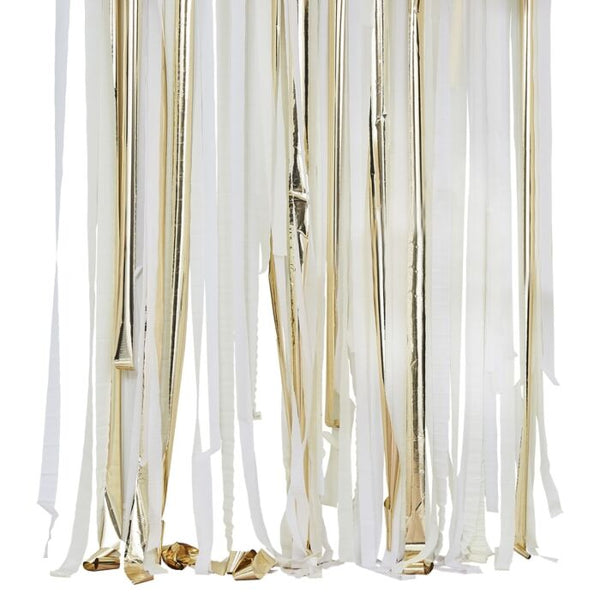 GOLD METALLIC PARTY STREAMERS BACKDROP