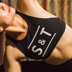 Lululemon / S&T: Free to Be High Neck Bra