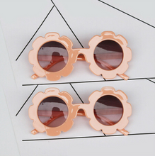 Load image into Gallery viewer, The Daisy Sunnies