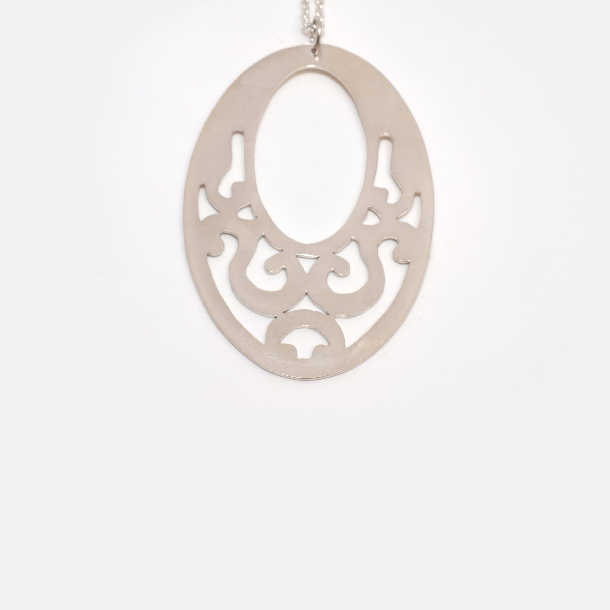 Ornament – Silver Necklace