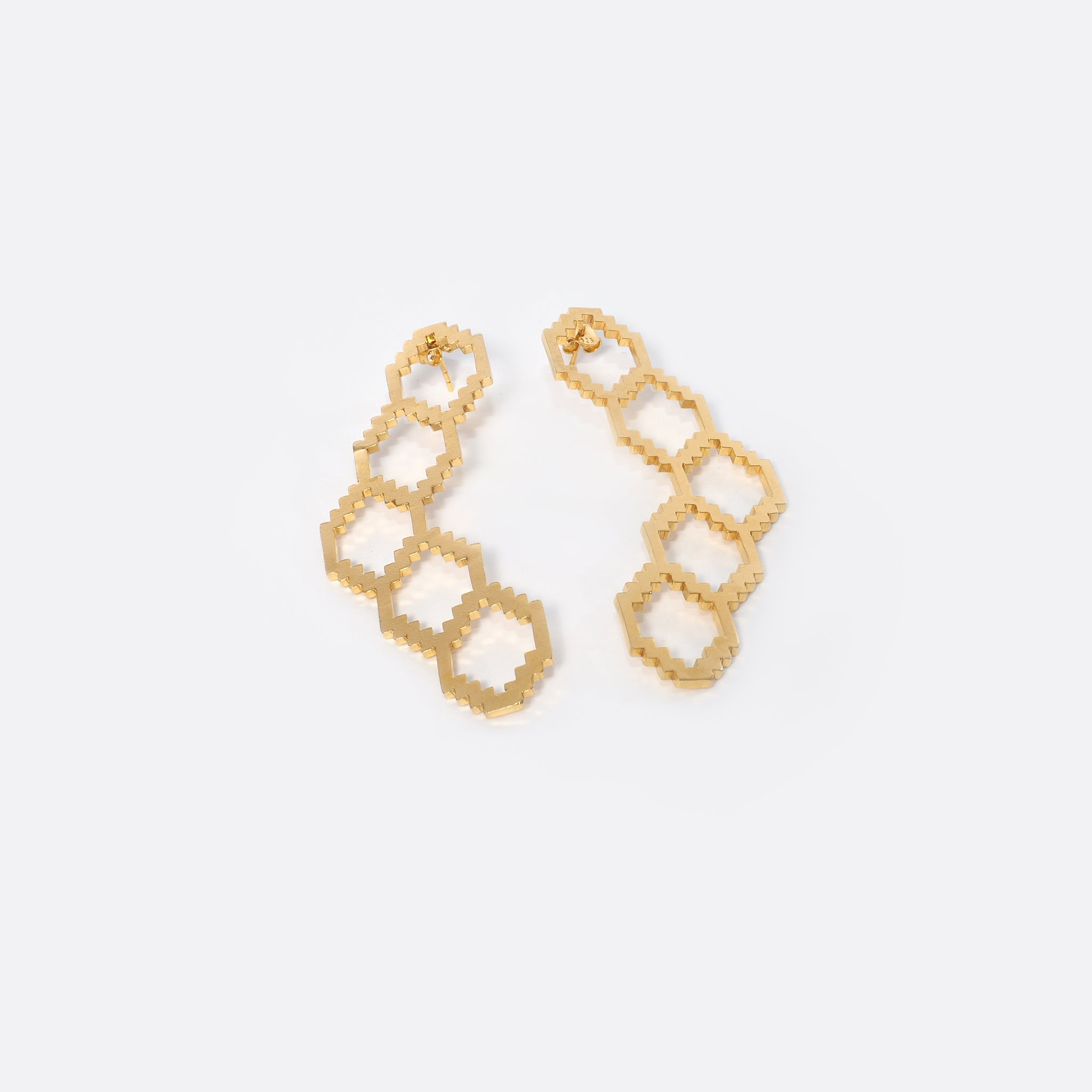 Homage To Dhaka N°1 – Gold- Plated Earrings