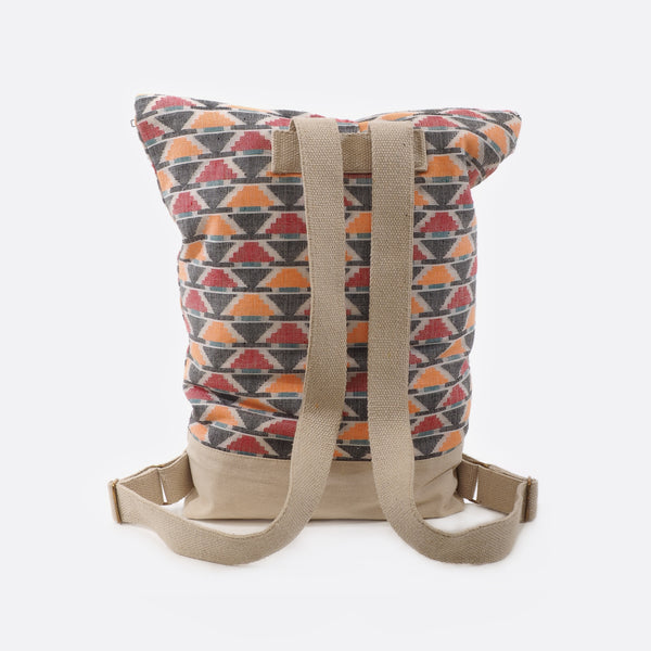 Pyramid – Backpack With Canvas