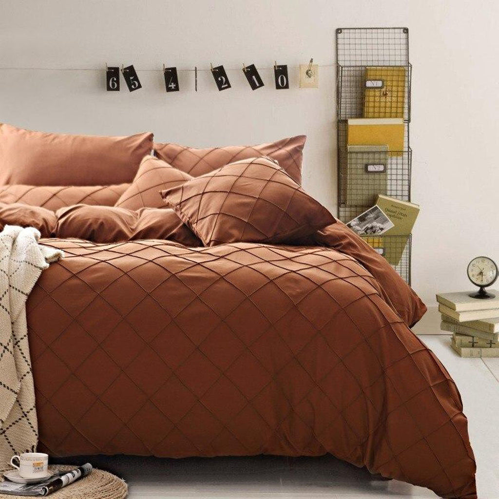 pinch-pleated-duvet-set-8-pieces-brown_01