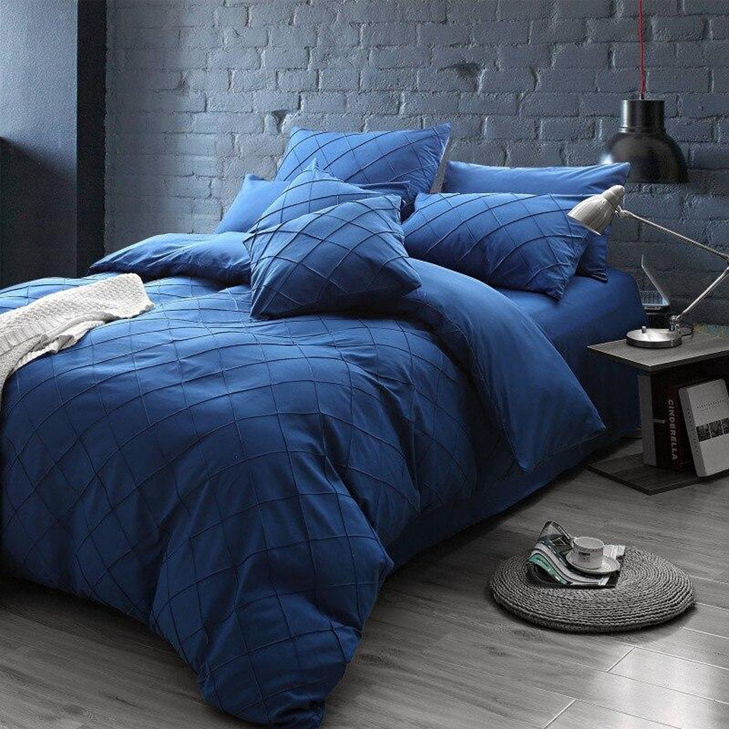 pinch-pleated-duvet-set-8-pieces-royal-blue_01