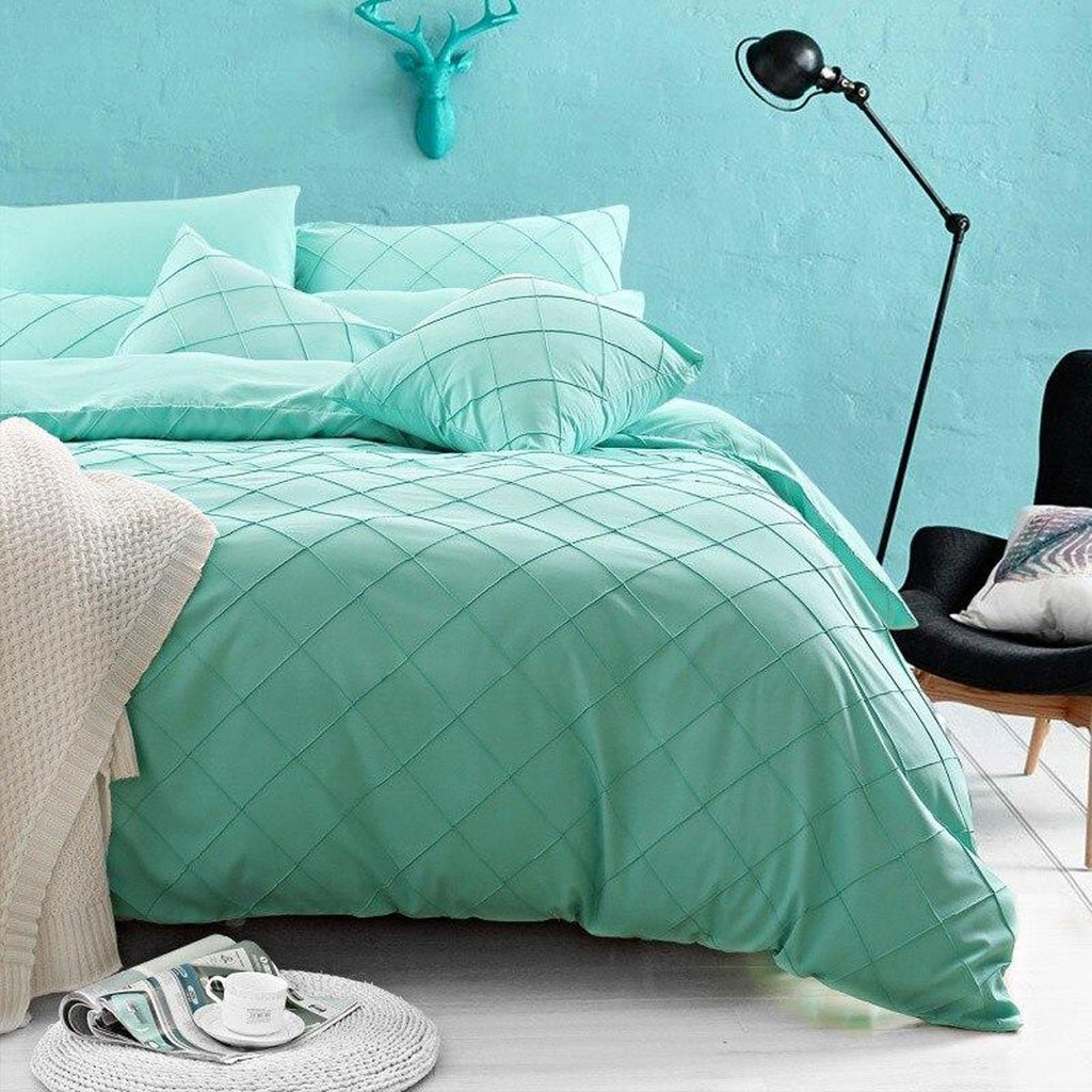 pinch-pleated-duvet-set-8-pieces-tale_01
