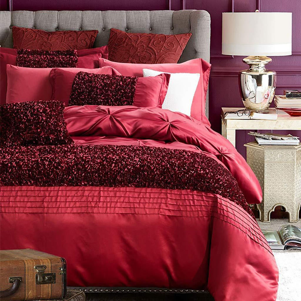 red-luxury-bridal-set-12-piece-with-quilt-filling_01