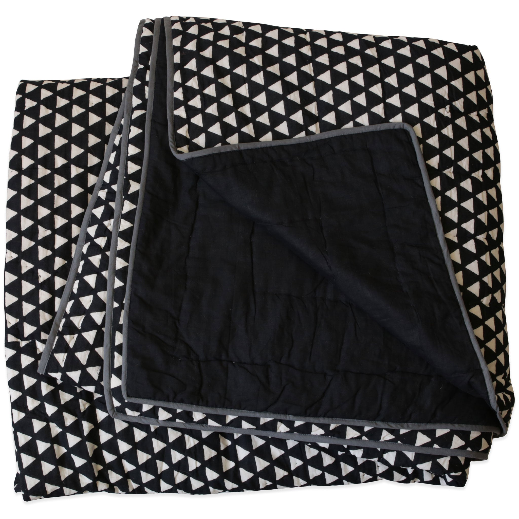 Kamana Black Queen/King Quilt