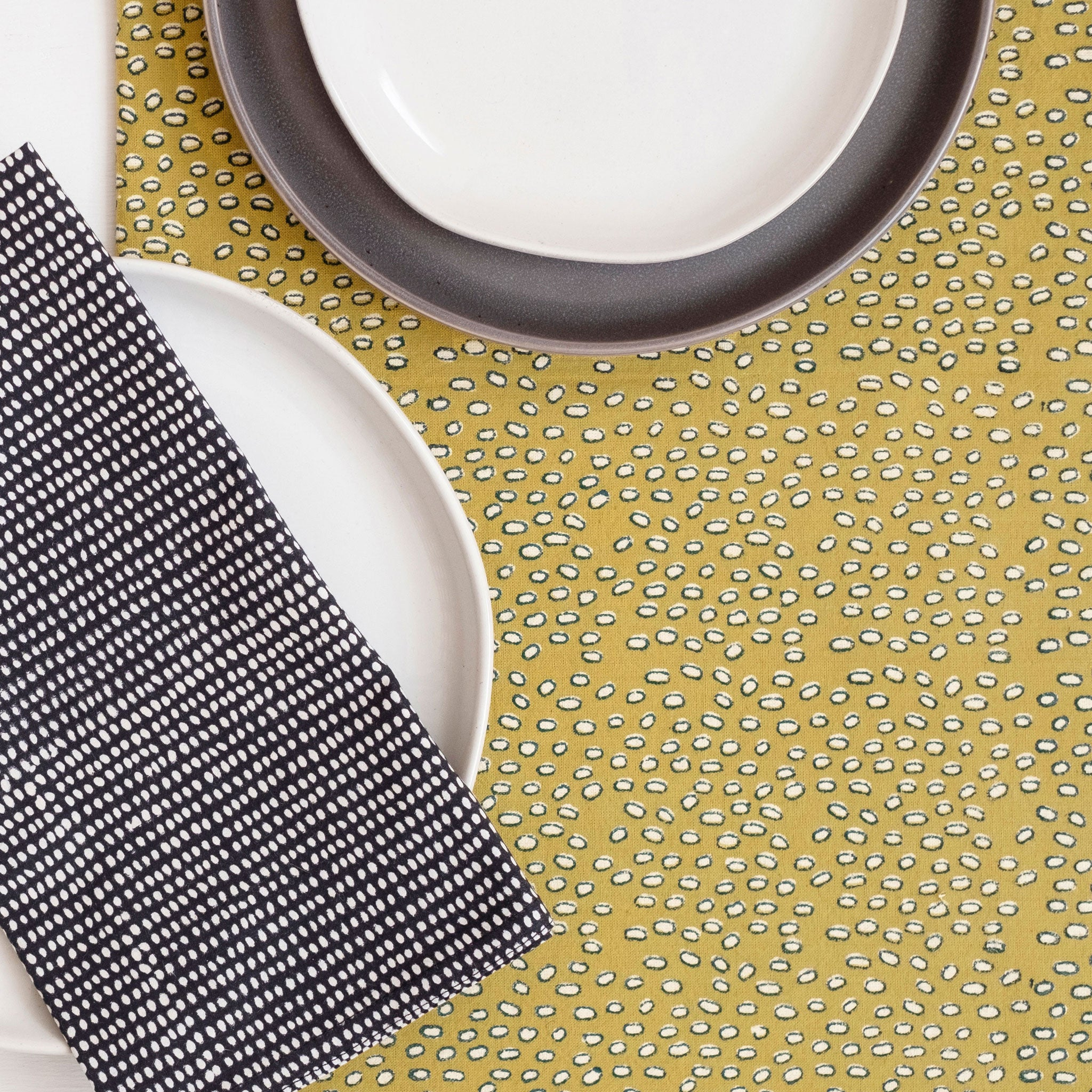 Leo Mustard Tablecloth