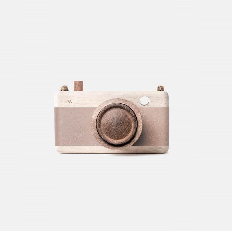 Wooden Camera – Cat's Paw Pink