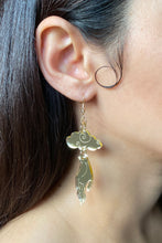 Load image into Gallery viewer, Small Hand Cloud Earrings - Champagne