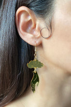 Load image into Gallery viewer, Small Hand Cloud Earrings - Gold