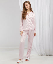 Load image into Gallery viewer, Women's satin long pyjamas Light Pink