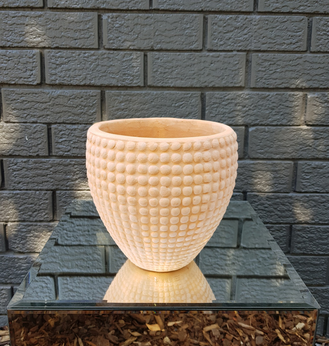 Terracotta Spotted Egg Pot Small (22x21cm)