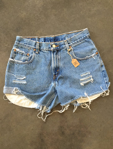 Solid Distressed *Size 31*