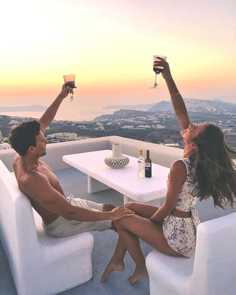 couples-fun-photography-poses-cheers-to-life