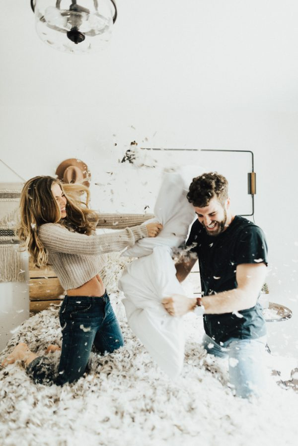 couples photography ideas at home pillow fight