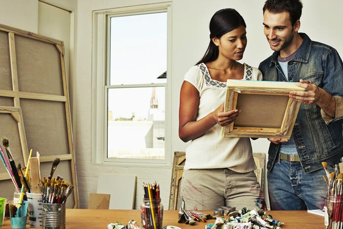 20 Fun Quarantine Date Ideas for Couples - Wine and Painting